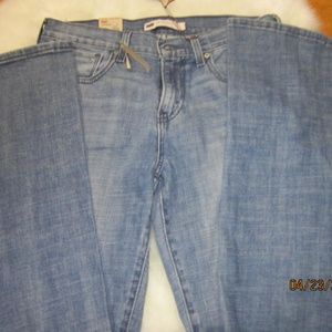 NEW WITH TAGS !LEVI'S! BLUE JEANS!